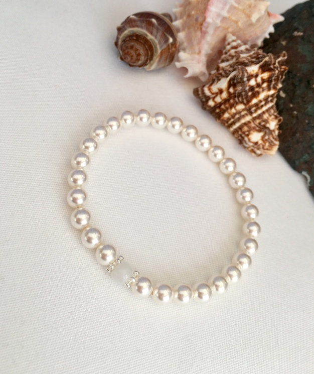 White Swarovski pearls, Moonstone and Sterling silver bracelet