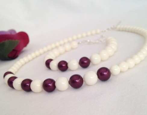 Swarovski pearl necklace and bracelet set.