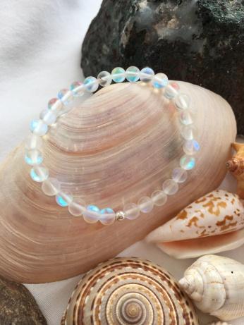 Frosted iridescent Quartz bracelet