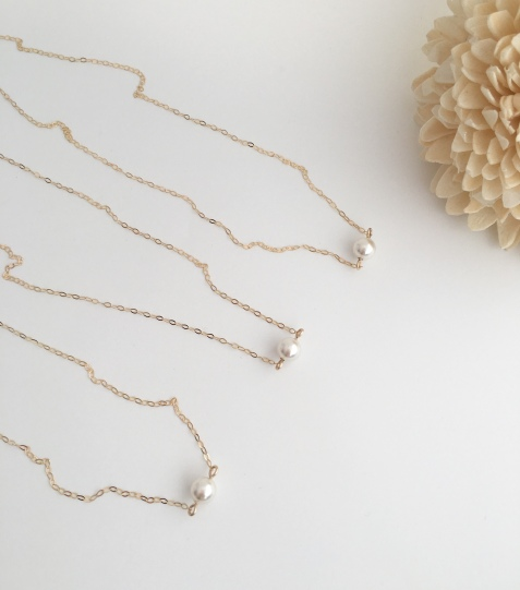A recent custom order for 9ct Gold single pearl bridesmaid necklaces.